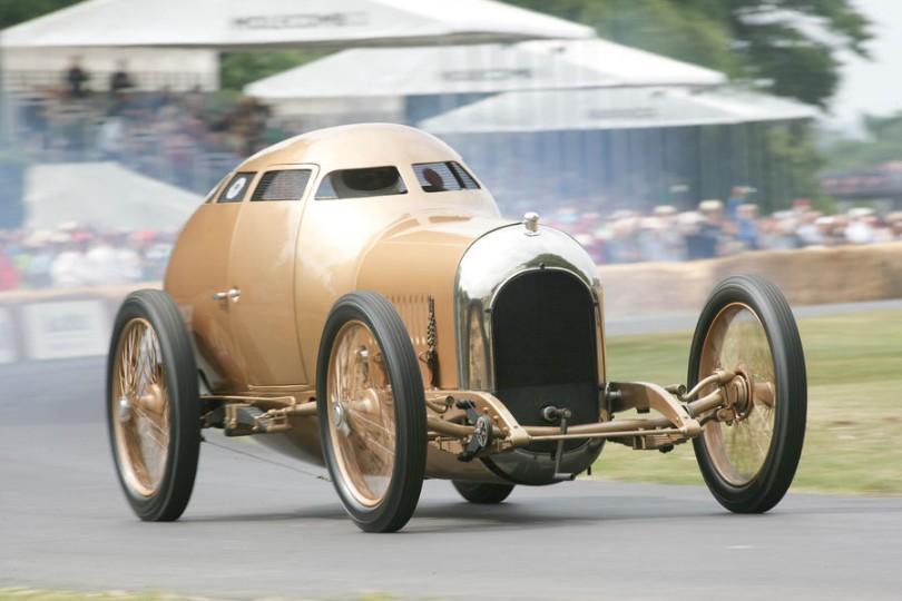 Aerodynamic coupe