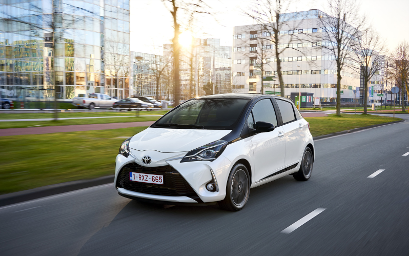 YARIS 5d 1.5 ACTIVE GO (GRAY)