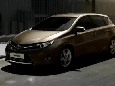 Toyota-Auris-HD-2013