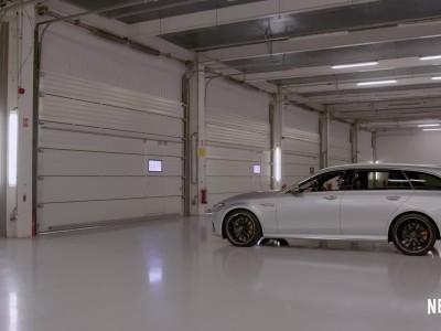 Ο Lewis Hamilton με station wagon της AMG