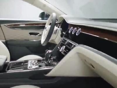 Νέα Bentley Flying Spur: Υπερπολυτελής και με 650 ίππους