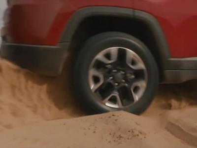 "To Jeep Compass Trailhawk μάχεται για την πιστοποίηση ""Trail Rated"""