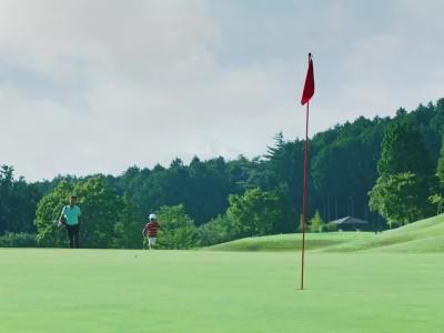 Το μπαλάκι του γκολφ της Nissan που καταλήγει πάντα στο στόχο! (video)