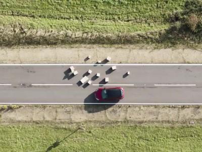 Ford - Μετάδοση μηνυμάτων για κίνδυνο στο δρόμο
